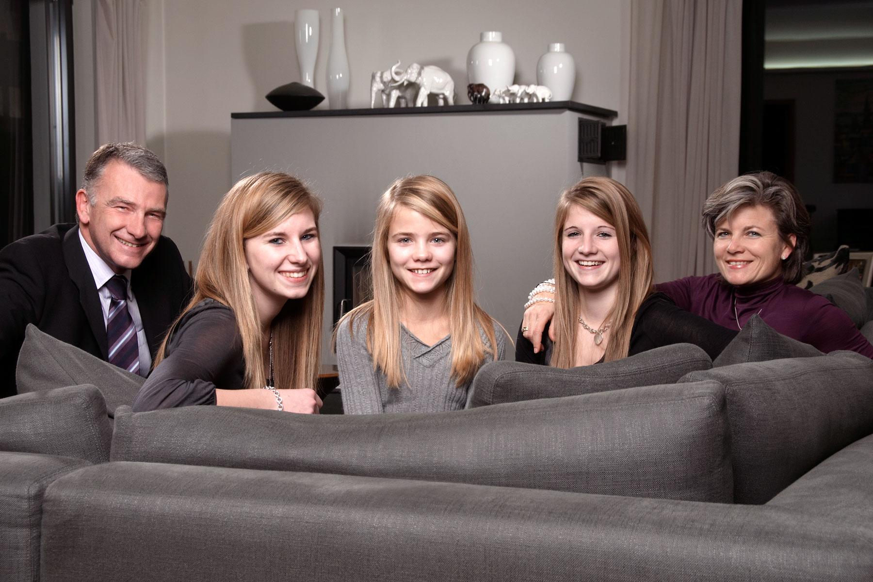 Familienfotos im eigenen Wohnzimmer