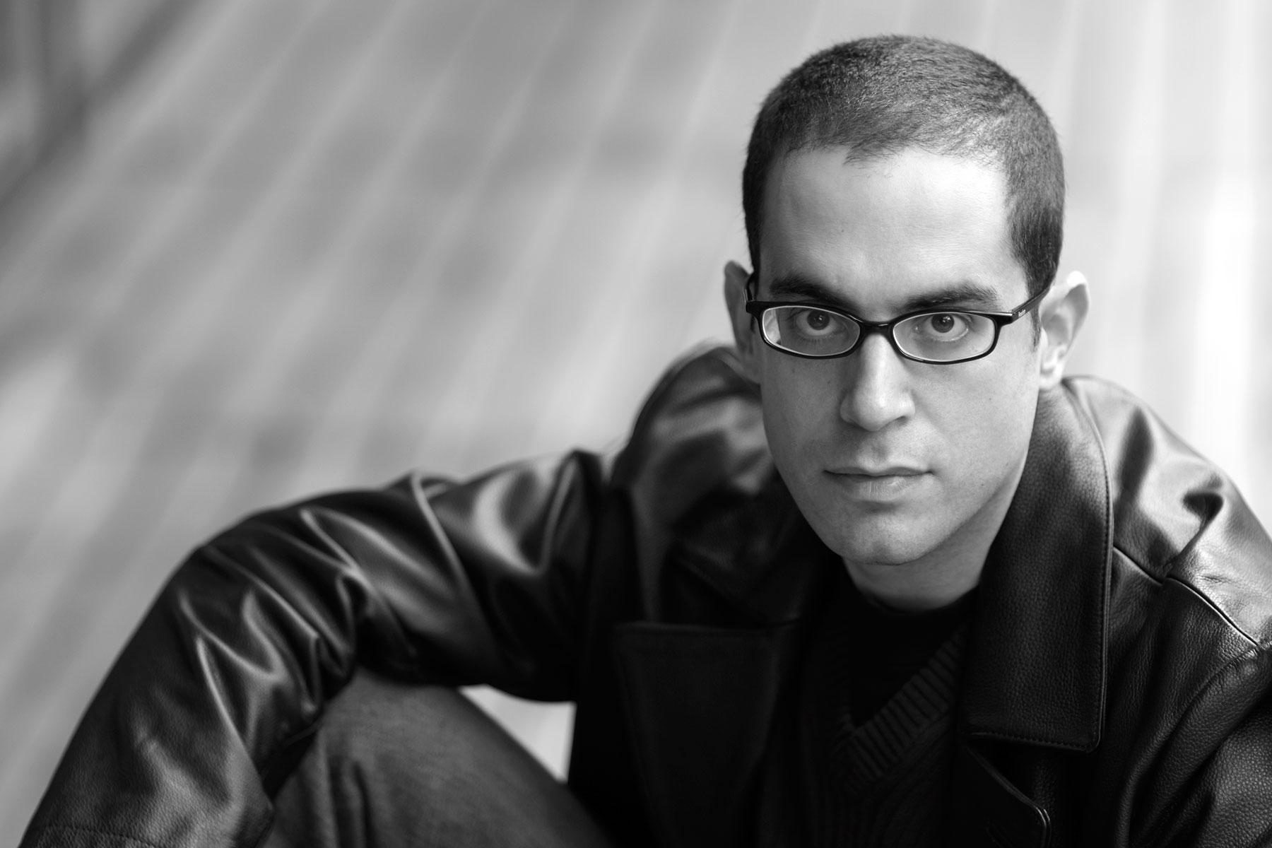 Portraits des Pianisten Amir Katz